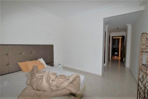 à louer vaste et confortable meublé au calme.