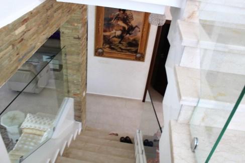 à vendre villa entierement rénovée de 215 m² (habitable)  sur un terrain de 340 m² dans résidence gardée et fermée