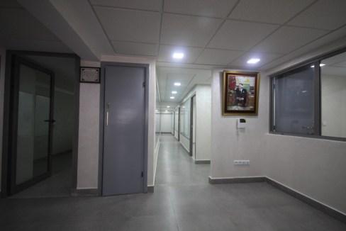 Maarif par Bld Bir Anzarane à louer Bureaux neuf de 10 à 14 m².