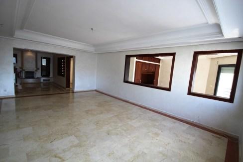 grand appartement non meublé de 180 m² à prix doux