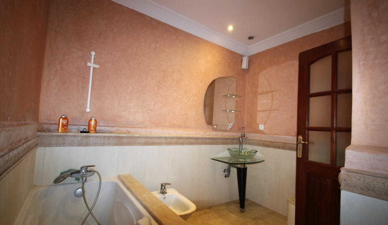 a-louer-appartement-de-144-m2-3-chambres-avec-prestations-haut-de-gamme-016