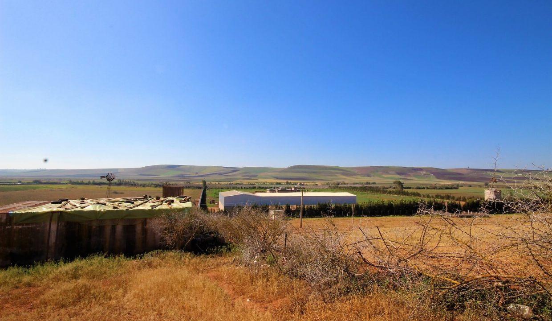 a-vendre-ferme-d-une-superficie-4-2-hectares-011