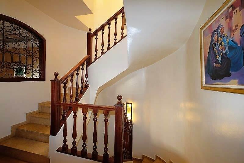 agreable-villa-entierement-refaite-a-acheter-d-une-superficie-terrain-de-460m-et-400m-habitable-en-triplex-sur-3-niveaux-0029