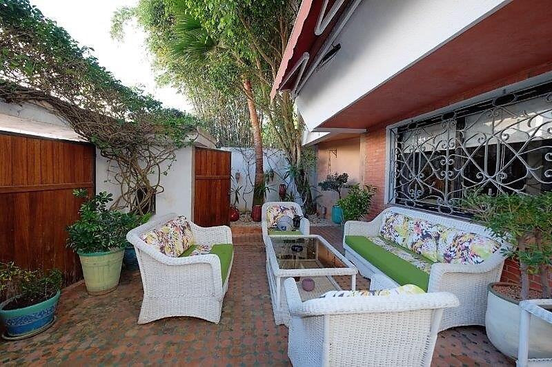 agreable-villa-entierement-refaite-a-acheter-d-une-superficie-terrain-de-460m-et-400m-habitable-en-triplex-sur-3-niveaux-004