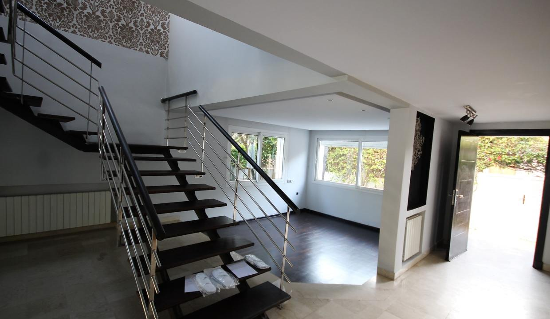 ain-diab-loue-villa-d-angle-moderne-de-4-chambres-vue-mer-010