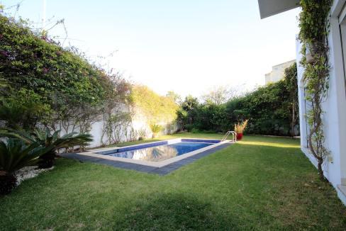 ain-diab-loue-villa-d-angle-moderne-de-4-chambres-vue-mer-018