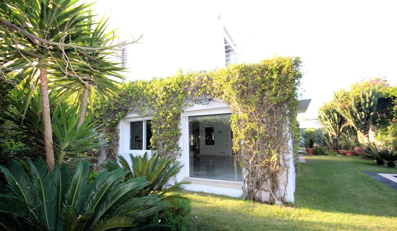 ain-diab-loue-villa-d-angle-moderne-de-4-chambres-vue-mer-020