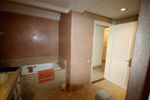 luxueux-appartement-de-250m-a-acheter-sur-bd-massira-khadra-005