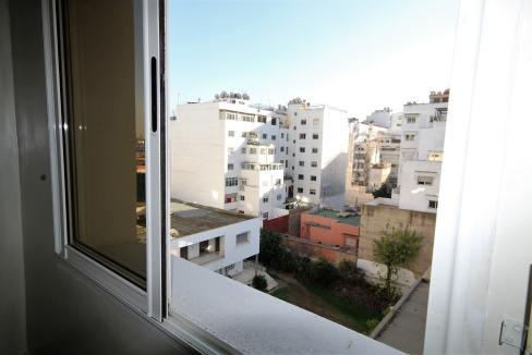 secteur-abdelmoumen-a-louer-vaste-appartement-3-chambres-de-160m2-01