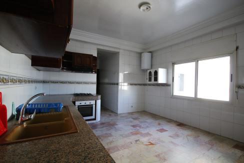 secteur-abdelmoumen-a-louer-vaste-appartement-3-chambres-de-160m2-013