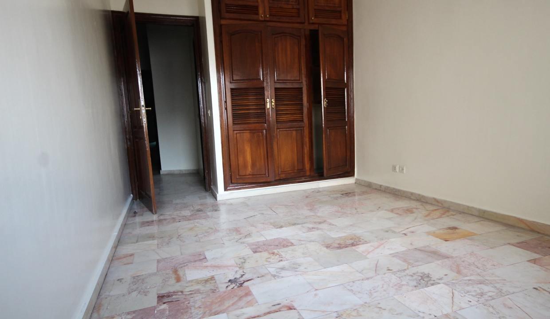 secteur-abdelmoumen-a-louer-vaste-appartement-3-chambres-de-160m2-028