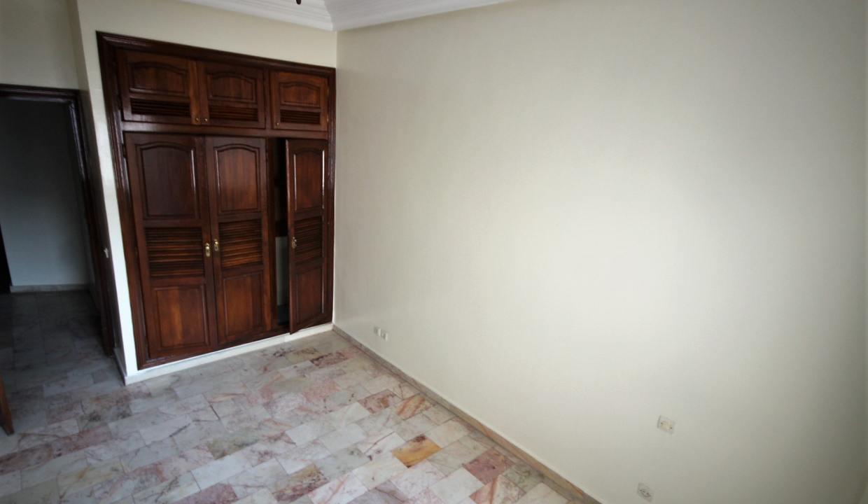 secteur-abdelmoumen-a-louer-vaste-appartement-3-chambres-de-160m2-029