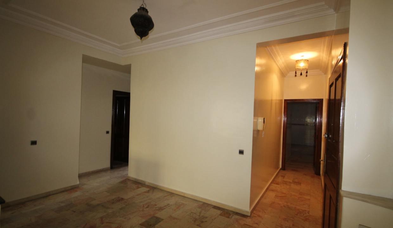 secteur-abdelmoumen-a-louer-vaste-appartement-3-chambres-de-160m2-07