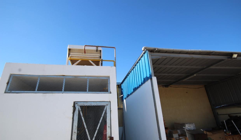 unite-industrielle-moderne-de-stockage-froid-et-de-distribution-a-vendre-location-possible-011