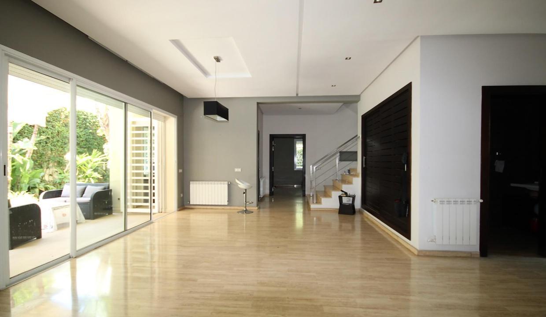 villa-de-5-chambres-a-louer-vide-ou-meublee-sur-terrain-371-m2-surface-habitable-400-m2-02