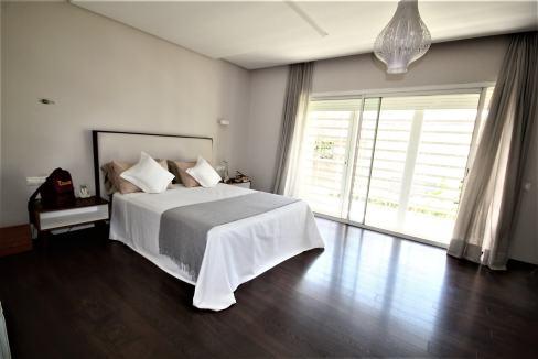 villa-de-5-chambres-a-louer-vide-ou-meublee-sur-terrain-371-m2-surface-habitable-400-m2-021
