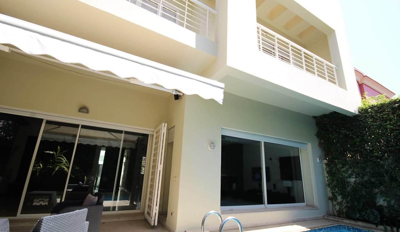 villa-de-5-chambres-a-louer-vide-ou-meublee-sur-terrain-371-m2-surface-habitable-400-m2-05