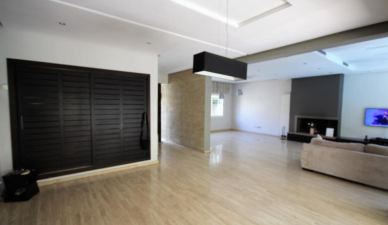 villa-de-5-chambres-a-louer-vide-ou-meublee-sur-terrain-371-m2-surface-habitable-400-m2-06