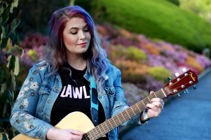 Singer Songwriter Ellen McClure is no stranger to playing in front of a live audience, but this time she performed in 2D.