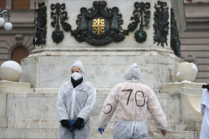 SRPSKI LEKARI BESNI: Protest zbog smrti svojih kolega! 1
