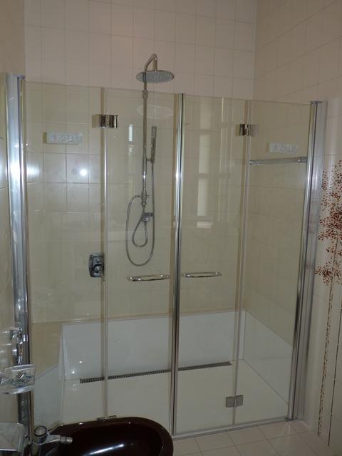 Da vasca a doccia filo pavimento  Novabad