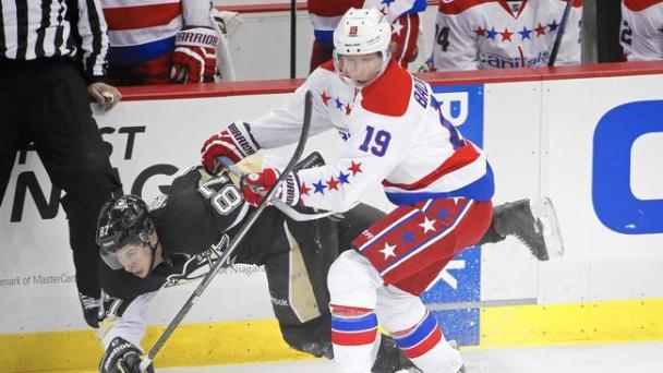 ph-apphoto-capitals-penguins-hockey-jpg-20141227 (1)