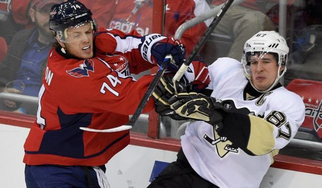 john-carlson-sidney-crosby-washington-capitals