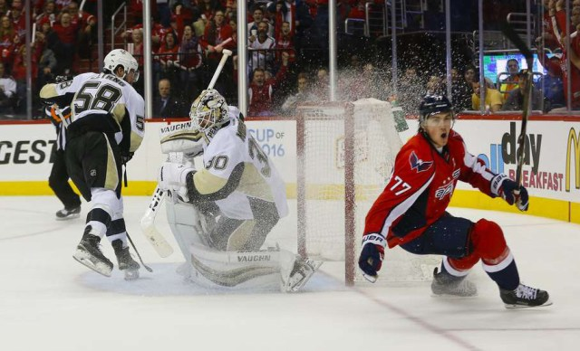 oshie-goal-against-penguins