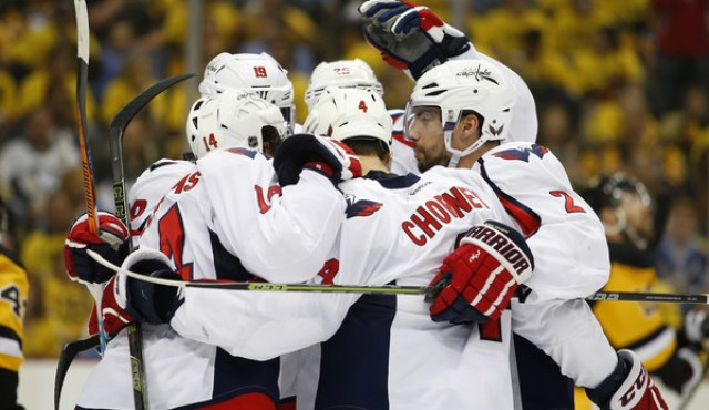 Washington+Capitals+v+Pittsburgh+Penguins+HAa-O8UNzNil