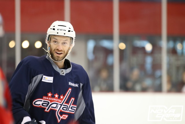 capitals-practice-kettler-11282016-taylor-chorney-2