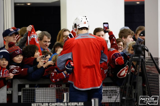 justin-williams-fans-kettler-caps-capitals-jpg