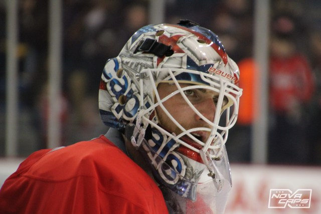 braden-holtby-caps-practice-at