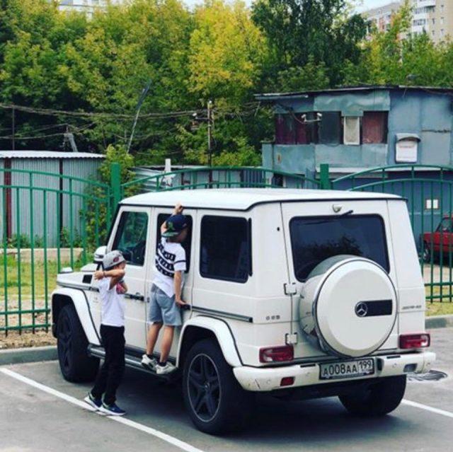 Kids at Ovis Vehicle CCM