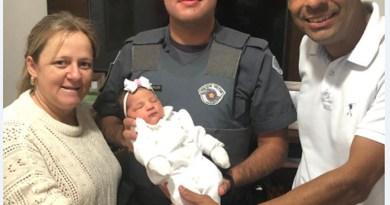 Policial Militar de Orlândia salva recém-nascido engasgado