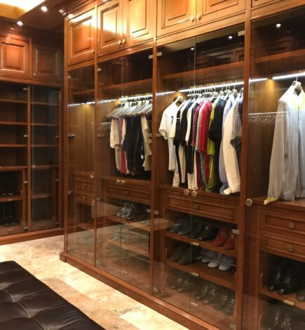 Choose These Top Ideas for a Walk-in Closet in Fredericksburg, VA