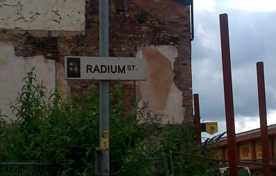 radium sign2