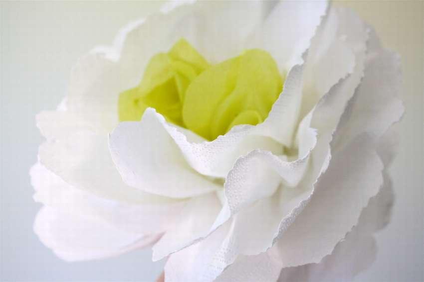 как сделать цветы из бумажных салфеток
