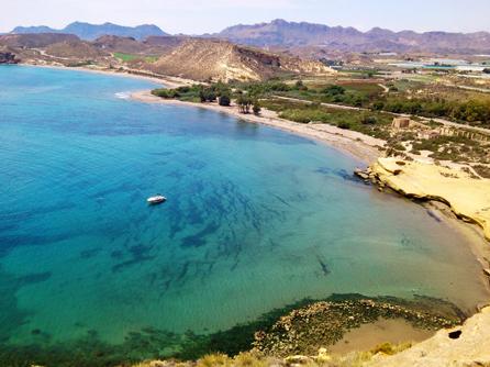 Playa virgen de Pulpí. Foto: Patronato Provincial de Turismo.