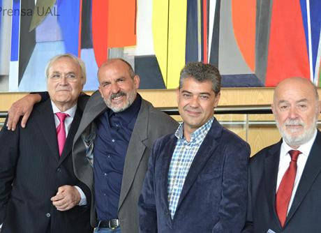 Los tres rectores de la UAL con el artista.
