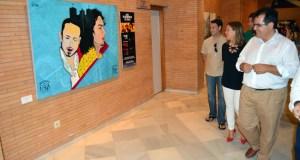 Las pinturas captan la esencia del flamenco.