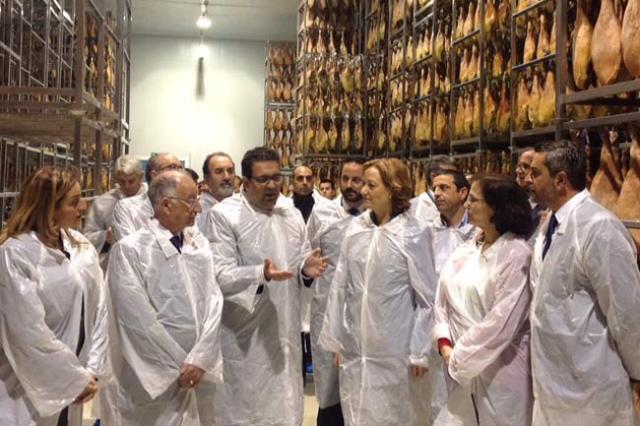 Carmen Ortiz visitó las instalaciones de Cortijo de Canata.