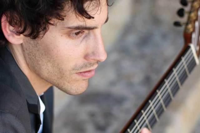 Alejandro Aparicio.