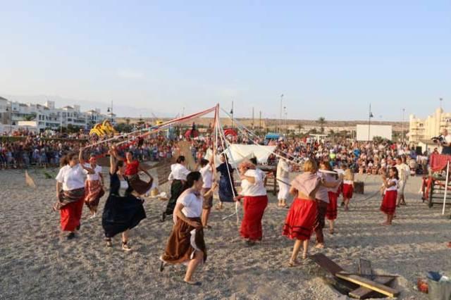 Representación en la Playa de Poniente.
