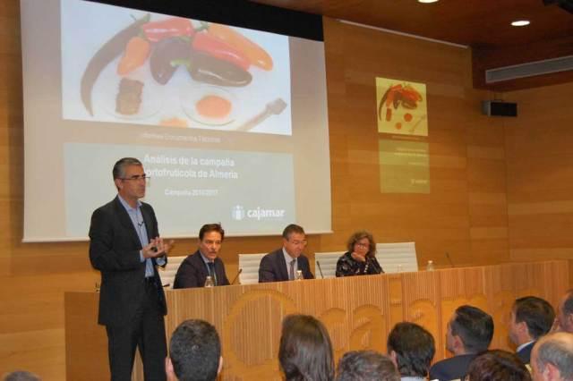 Presentación del análisis de la campaña hortofrutícola realizado por Cajamar.