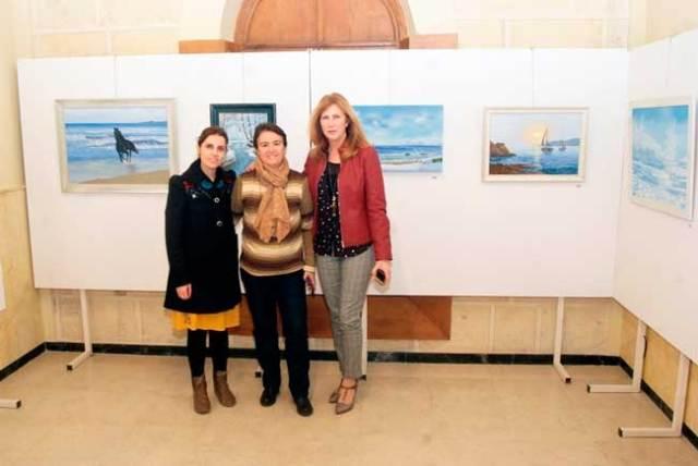 Ana María Morillo (en el centro) junto a Mariquina Ramos y Mª Dolores Ortega.