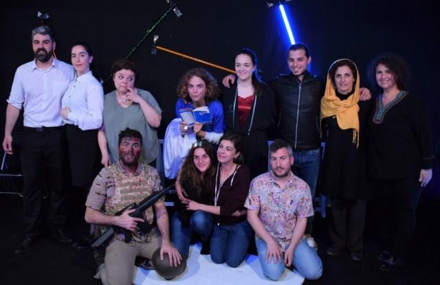Elenco de actores y profesores de la obra 'Viva la guerra'