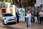 Níjar recibe la primera flota de coches eléctricos de alquiler que darán servicio en el Parque Natural