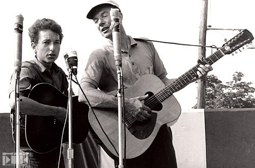 pete-seeger-and-dylan