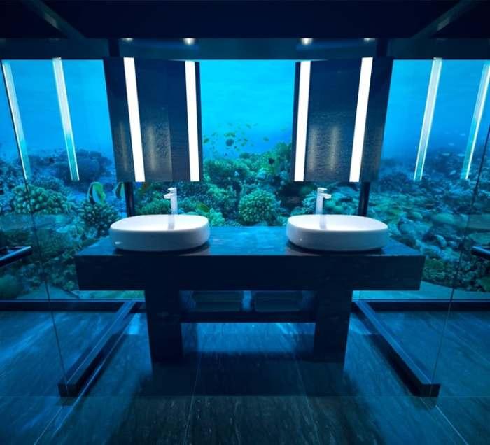Под водой можно узнать спокойствие.