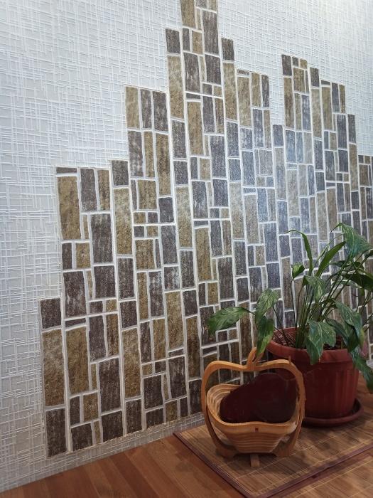 Бюджетная идея использования напольной плитки для украшения стены обеденной зоны и не только.  |  Фото moydomovoy.com.